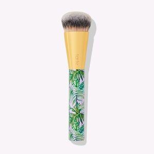 BNIB tarte foundcealer brush